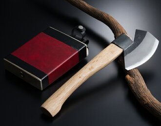 Authentic Japanese Axe Yama (Mountain) Type, Handmade by Tosa Craftsmen, Blade Edge : Aogami Steel