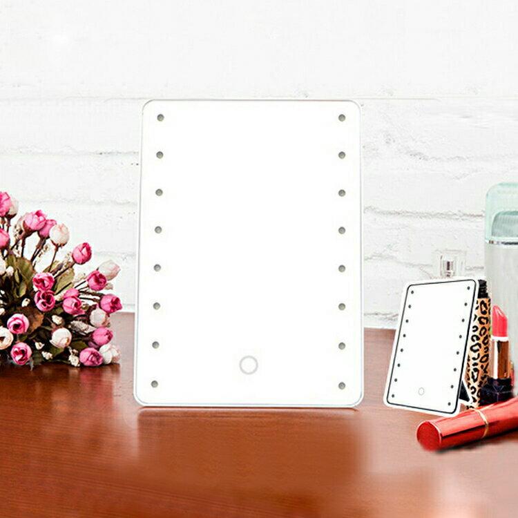 【ポイント5倍 5月25日限定】ミラー 卓上 16LED スタンドミラー ミラー メイク 化粧鏡 LEDライト付き 鏡 タッチセンサー 単3電池タイプ ブライトニングミラー タッチ 卓上 ブライトミラー LEDライト