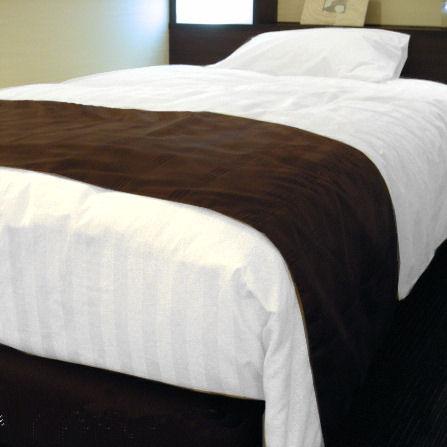 ホテルベッドスロー(ベッドライナー) D(ダブル)サイズ いつもは一流ホテルや高級旅館の客室にお納めしているベッドスローをご家庭向けに1枚からお届け!ベッドの足元に掛けるベッドライナー これで自宅の寝室インテリアが本物のホテル客室に変身リニューアル!送料無料 日本製