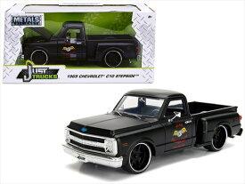 ミニカー 1/24 MOTORMAX 1969 シボレー C10 ピックアップトラック 艶消し黒色 アメ車  【予約商品】