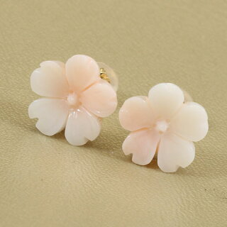 【送料無料】K18ミッド珊瑚桜のピアス