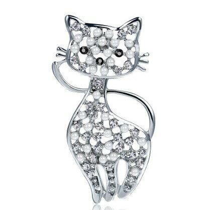 真珠 と スワロフスキー の 猫 ブローチ