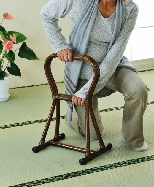座椅子 天然素材の優しさを感じて 藤つかまり立ちステッキ(小) イス・チェア 座椅子 籐製 座椅子 座イス 座いす 椅子 いす イス チェア チェアー 姿勢 腰痛 コンパクト 北欧 シンプル クッション 座布団 リラックスチェアー リビング フロアチェア フロアチェアー 一人掛け