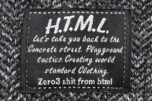 【送料無料】エイチティエムエルゼロスリーHTMLZERO3プルオーバーパーカーメンズマージリリック(htmlzero3MergeLyricPulloverHoodieフードフーディPullOverHoodyParkerトップスエイチティーエムエルHTML-PA150)