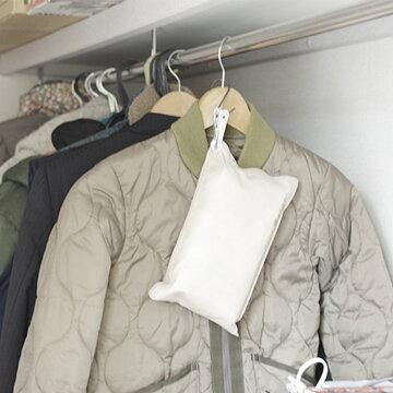炭八大袋4個セット室内用湿気取り除湿ペット消臭出雲屋炭八調湿除湿剤乾燥材調湿木炭脱臭