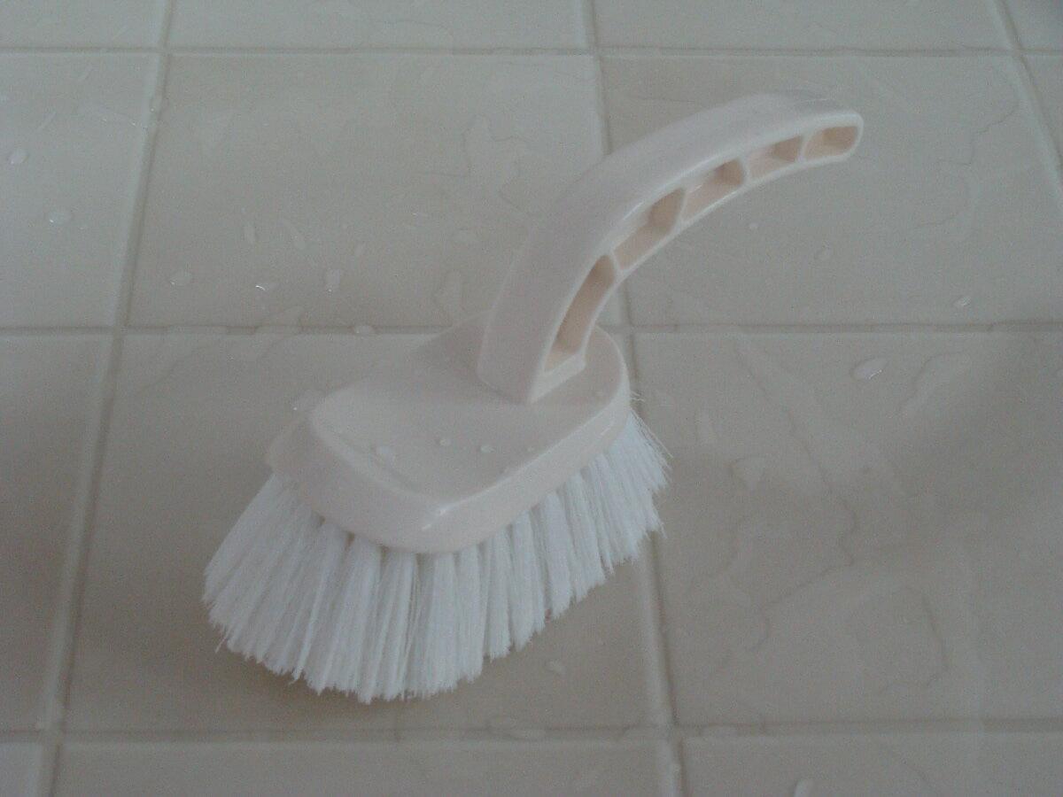 カビ取り ナチハマ バスブラシ お風呂掃除 浴槽 タイル お風呂のふた掃除 ゴムの力で 洗剤不要 時短ブラシ ゴムラテックス加工 ※メール便不可