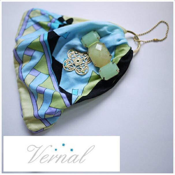 vernal イタリアブランド Emilio Pucci エミリオプッチのジャージ素材服でリメイクしたキーホルダー。 グラマラスな女性は小物で差をつける オリジナルブランドアクセサリー キーホルダー