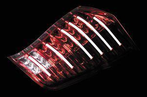 VALENTI JAPAN(バレンティジャパン) LEDテールランプ クリア / レッド クローム適合車種 RKステップワゴン / スパーダ ヴァレンティジャパン THRKSTP-CR-1 ☆送料無料(一部地域除く)