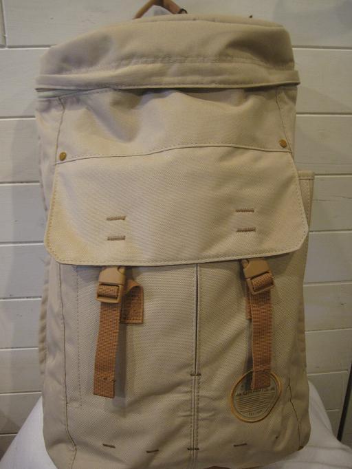 正規品。GRAVIS グラビス NEO ネオ カバン 鞄 デイバック