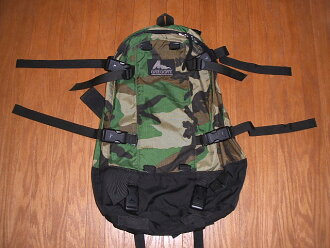 GREGORY (Gregory) Day Half Pack (day & cigarettes) WoodLand Camo (Woodland Camo) limited 2001 model
