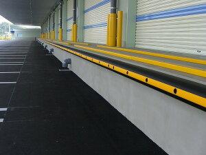 ネオストッパーNS-110D 100×100×1000L (駐車場やトラックターミナルに緩衝材として) 養生材 養生資材 養生用 衝撃吸収材 耐候性 倉庫 トラック ターミナル 工場 屋外駐車場 物流倉庫 ストッパ