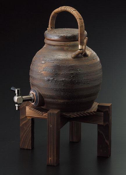 手付サーバー(コルク栓付)マイナスイオン 陶器・信楽焼 焼酎サーバー 還暦祝い ギフト お祝い 彩り屋