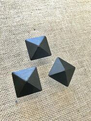 鉄鋲アイアン装飾鋲家具ドアネイル金物リメイク角型四角アンティークビス隠し鋲スタッズプッシュピン1個から販売