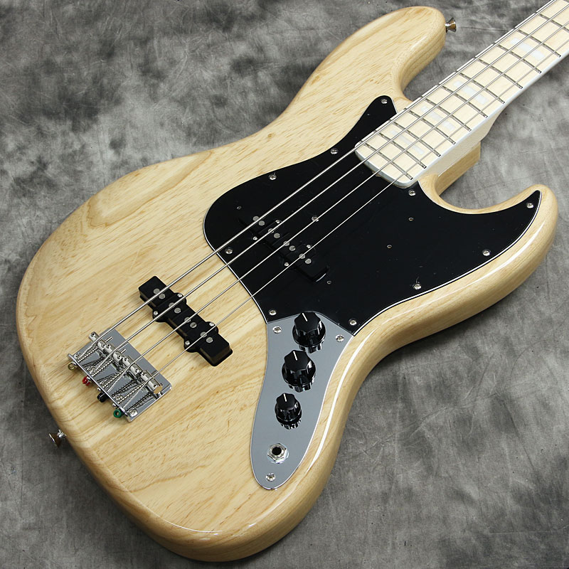 Fender / Made in Japan Traditional 70s Jazz Bass Maple Fingerboard Natural w/Black Pickguard【フェンダージャパン】【ジャズベース】【新宿店】
