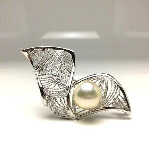 真珠 ブローチ パール 白蝶真珠 11.4mm シャンパンホワイトゴールド シルバー リボン 66276 イソワパール