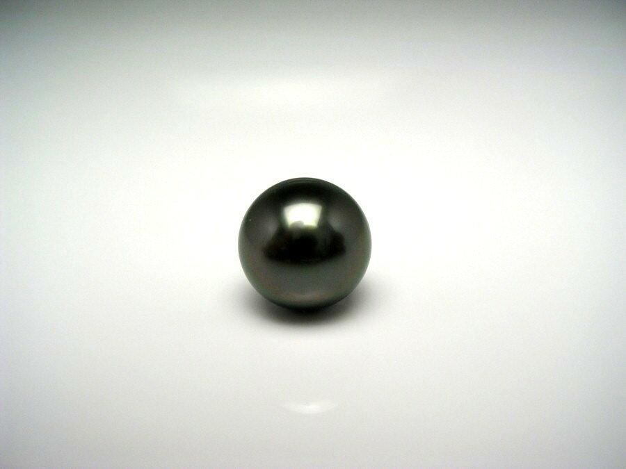 黒蝶真珠 ネクタイピン 8.97mm ディープグリーン K14 ホワイトゴールド 針 真鍮 キャッチ 51648 イソワパール