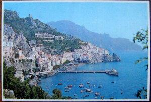 1978年発行のイタリアのアマルフィの風景の絵はがきお部屋のインテリアにイタリアのアンティークショップで見つけた絵ハガキと切手と雑貨