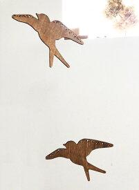 飛び立つ鳥の木製モビール ツバメ モビール 置物 木製 室内 飾り インテリア 玄関 リビング 子供部屋 可愛い オーナメント ベッドメリー かわいい 木製 ウッド 置き物