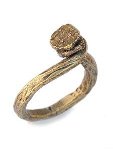 M.Cohen(エム・コーエン)hand-forged polished brass twisted nail ring [R-102101-BRS-BRS] ハンドフォージド ポリッシュドブラス ツイステッド ネイルリング / 指輪 アンティークゴールド 釘 クギ 真鍮 鍛造 金