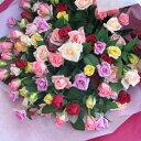 豪華なバラ100本の花束