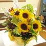 ひまわり誕生日フラワーギフト花誕生祝いフラワーアンセリウムギフトお中元【送料無料!】ヒマワリ&緑アンスリウムのアレンジメント(花かご)5,250円コース
