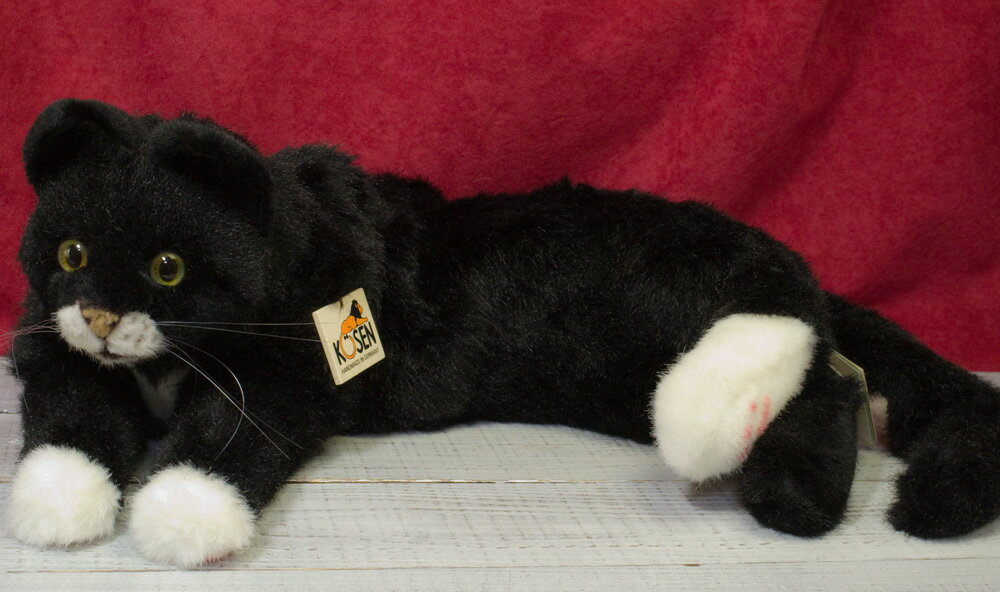 """ねそべり猫 黒 KOSEN(ケーセン社) 50cm """"Mohrle"""" Black Cat/ねこ/ぬいぐるみ ねこ ネコ 猫 プレゼント/リアル/動物/ギフト/子供/女の子/男の子/大人/クリスマス"""