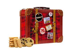 スーツケース缶ユニークなスーツケース型の缶に、フィンガー、チョコチップの2種類のショートブレッドが入っています。