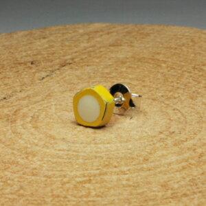 JAM HOME MADE ジャムホームメイド そんなバナナスライスピアス -YELLOW- / 片耳 シルバー 925 角形 カラー ポッチ 小ぶり 小さめ シンプル 人気 カジュアル アート モチーフ プレゼント ギフト ユニ