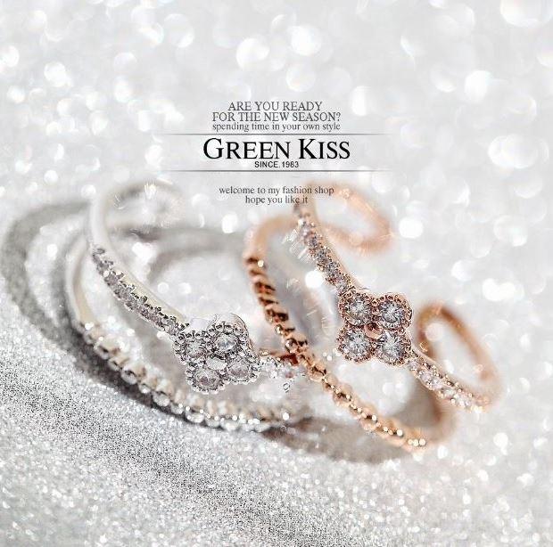 指輪リングカジュアルからドレッシーな装い/クローバーリング/スワロフスキー/K18RGP/ピンキーリング 彼女 女性 誕生日 プレゼント ギフト クリスマス 大人 可愛い おしゃれ アクセサリー