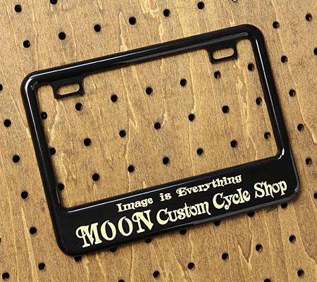 ナンバーフレーム ナンバープレート フレーム バイク用(原付50-125cc) ムーンアイズ(MOONEYES) ブラック Custom Cycle Shop 【メール便OK】_NF-MG130GCBKMCS-MON
