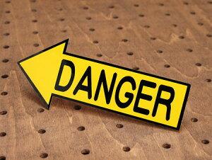 ステッカー 車 バイク ヘルメット アメリカン インテリア サイン 表示 案内 危険 DANGER 注意 警告 おしゃれ かっこいい 矢印 【メール便OK】_SC-3090-TMS