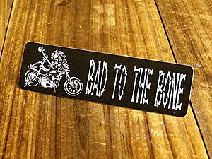 ステッカー ヘルメット 車 アメリカン スカル おしゃれ バイク かっこいい BAD TO THE BONE 骨の髄までワル 【メール便OK】_SC-559-GEN
