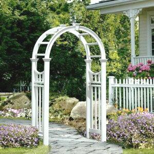 PVC樹脂製で腐らず、錆びず、色褪せもほとんど無いアーチ。真っ白なアーチがお庭やバラを惹き立てます。