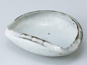 和食器 中鉢/ 手造り粉引貝型向付 /陶器 業務用 家庭用 Medium Sized Bowl
