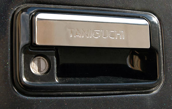 ジムニー エクステリア リアゲートハンドルガーニッシュ JB23 JB43 タニグチ TANIGUCHI【5%OFF】【クーポン対象外商品】