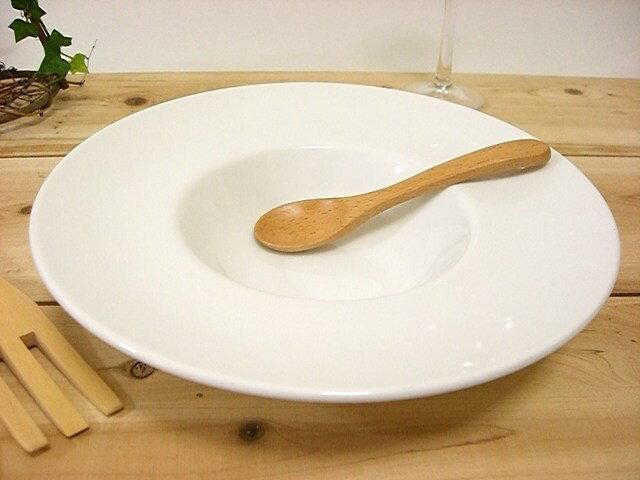 【A級品】ひそかに流行りの幅広リムスープ皿 24cm白い食器 マジェスタ(超白磁)