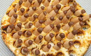 はちのこモゾモゾ♪プチキャラメル 10個入【冷蔵発送】キャラメル おもしろ お菓子 面白い おかし 菓子 ユニーク おもしろい 虫 蜂の子 サプライズ プレゼント 子供 男の子 個包装 小分け お