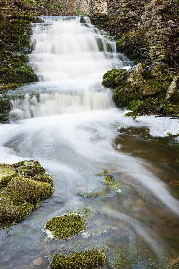 自然 滝の壁紙輸入 カスタム壁紙 PHOTOWALL / Clear Stream, Gotland (e23078)貼ってはがせるフリース壁紙(不織布)【海外取り寄せのため1カ月程度でお届け】【代引き不可】.