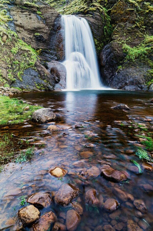 自然 滝の壁紙輸入 カスタム壁紙 PHOTOWALL / From Fall to Stream (e24590)貼ってはがせるフリース壁紙(不織布)【海外取り寄せのため1カ月程度でお届け】【代引き不可】.