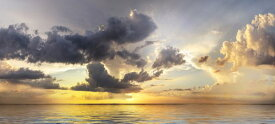 海 雲 空 夕焼けの壁紙 輸入 カスタム壁紙 PHOTOWALL / Rain Clouds over Sea (e318942) 貼ってはがせるフリース壁紙(不織布) 【海外取り寄せのため1カ月程度でお届け】 【代引き不可】