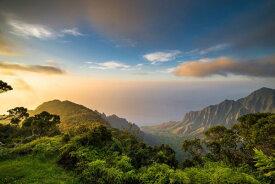 山 森 空 雲 自然の壁紙 輸入 カスタム壁紙 PHOTOWALL / Sunset over Kalalau Valley (e318298) 貼ってはがせるフリース壁紙(不織布) 【海外取り寄せのため1カ月程度でお届け】 【代引き不可】