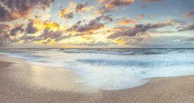 海 砂浜 ビーチ 波 空 雲の壁紙 輸入 カスタム壁紙 PHOTOWALL / Beach Waves (e321092) 貼ってはがせるフリース壁紙(不織布) 【海外取り寄せのため1カ月程度でお届け】 【代引き不可】