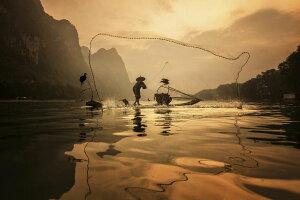 漁 投網 水辺 オレンジの壁紙 輸入 カスタム壁紙 PHOTOWALL / Spread the Fish Nets (e323672) 貼ってはがせるフリース壁紙(不織布) 【海外取り寄せのため1カ月程度でお届け】 【代引き・後払い不可】