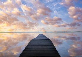 桟橋 水辺 空 雲 ピンクの壁紙 輸入 カスタム壁紙 PHOTOWALL / Sanctuary (e324483) 貼ってはがせるフリース壁紙(不織布) 【海外取り寄せのため1カ月程度でお届け】 【代引き不可】