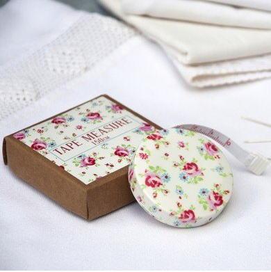 メジャー 巻尺 La Petite Rose [dotcomgiftshop] レトロ  おしゃれ雑貨 小花柄 ドットコムギフトショップ