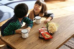 子供にも優しいサラサラした手触りのパイン材天板