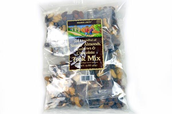 Trader Joe's 【トレーダージョーズ トレックミックス(アーモンド、カシュー&チョコレート)10袋】Trek Mix (Almonds, Cashews & Chocolate)