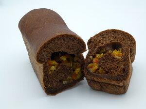パンを超えた生チョコパン(オレンジピール入り)