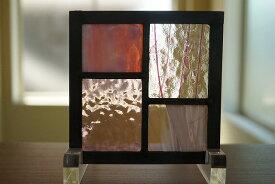 ステンドグラス パネル 住宅用 ステップ柄 ピンク×パープル 12cm×12cm 【ステンド 室内窓 壁埋め込み ピンク 紫 小窓 明かり採り】
