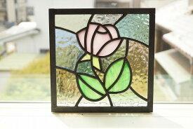 ステンドグラス パネル 住宅用 ピンクのバラ 淡い色の組み合わせ 18cm×18cm 【ステンド 室内窓 壁埋め込み 小窓 パステルカラー 明かり採り】
